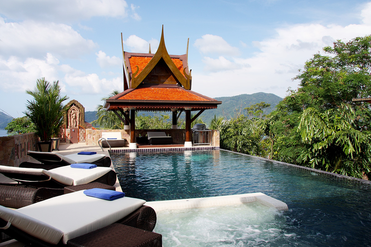 private-villa-for-bachelor-party-in-phuket-thailand-with-delta-security-10